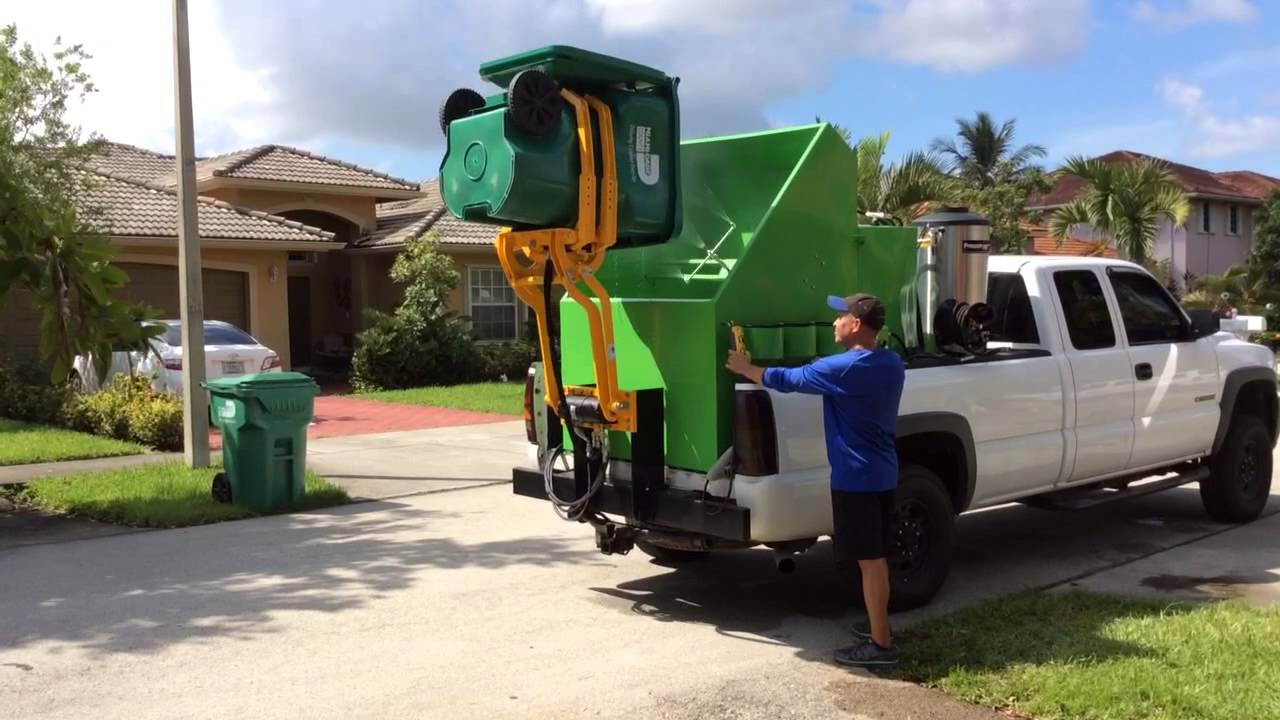 Wheelie Bin Cleaning >> Wheelie Bin Cleaners Trash Can Cleaning Business Sparkling Bins 305 382 2467