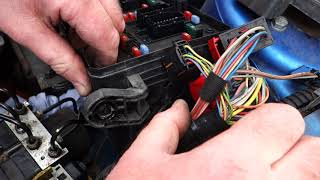Peugeot 206 ABS pump replacement - Part 1: Removal