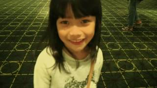 Tara Cherrino - Nonton Film Keluarga Cemara Sama Mama Papa