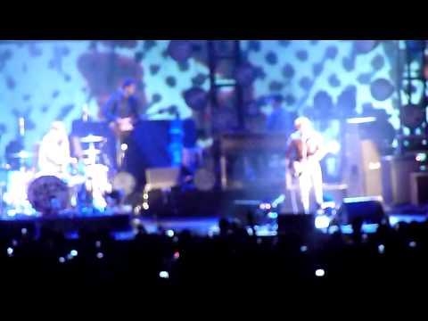 HD - Howlin' For You - The Black Keys Live At Air Canada Centre (ACC) March 14 2012
