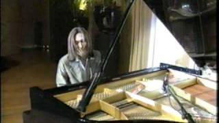 TKとピアノ、絵になりますね.