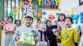 Kids Go To School   Birthday Of Chuns Friends Organizing Rubiks Birthday Cake