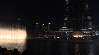 Dubai Mall water fountain show