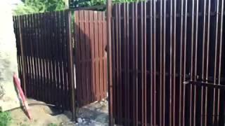 Недорогой забор из металлического штакетника в шахматном порядке в Саратове. СОВЕРСТРОЙ(, 2017-07-15T09:48:06.000Z)
