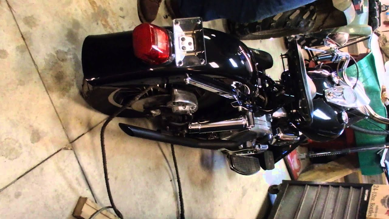 1975 Harley Davidson Shovelhead (Sound)