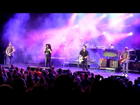 Counting Crows LIVE, Adam chatting, and Richard Manuel is dead