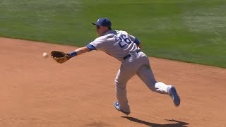 LAD@SD: Utley makes several stellar defensive plays