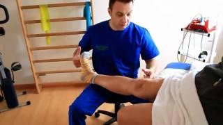 Esercizio per l'artrosi del ginocchio(http://www.physiolabroma.it - Il dott Lazzari, fisioterapista della nazionale Italiana di scherma, spiega l'esecuzione di un esercizio molto utile per ridurre il dolore ..., 2011-01-31T22:57:03.000Z)