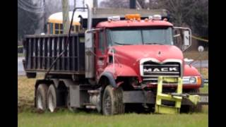Dump Trucks And Semi Truck Accidents And Wrecks