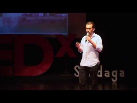 L'économie de l'énergie humaine : Emmanuel Henao at TEDxSandaga