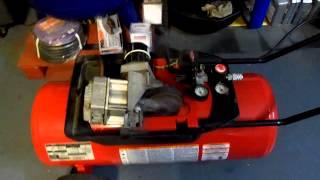 husky 5hp 15 gallon 150 max psi compressor runs like new