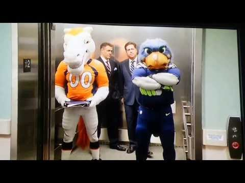 Super Bowl Mascots!! Miles vs. Blitz LOL