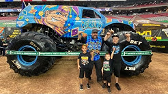 FAMILY MONSTER JAM EXPERIENCE 2020 | MONSTER TRUCKS | GLENDALE AZ | D&D FAMILY VLOGS