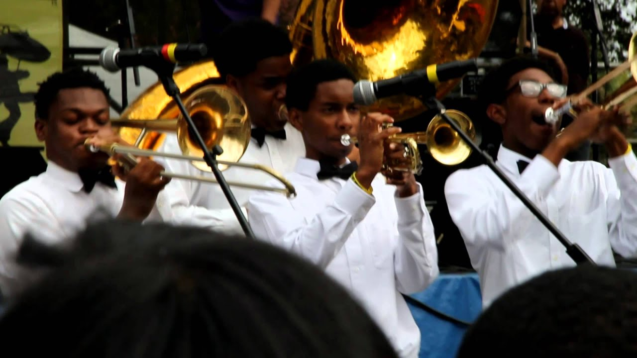 At A New Orleans High School, Marching Band Is A Lifeline ... |Edna Karr High School Band