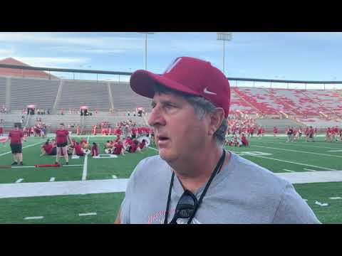 CFC TV: WSU's Mike Leach compares, contrasts QBs Gordon & Gubrud
