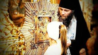 Почаевская Икона. Икона Почаевской Богородицы. Почаевский монастырь.