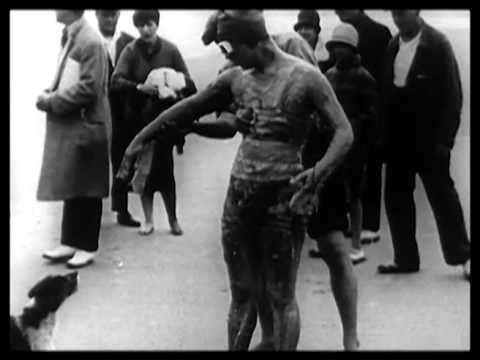 Gertrude Ederle Swimming The English Channel Gertrude Ederle swims ...
