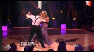 Kirstie Alley Loses Shoe on Dancing With the Stars