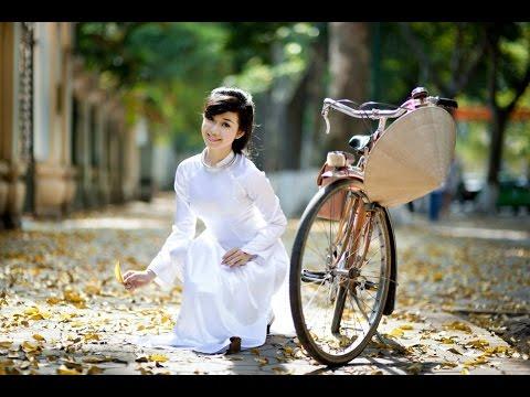 Vietnamese Girl in AoDai