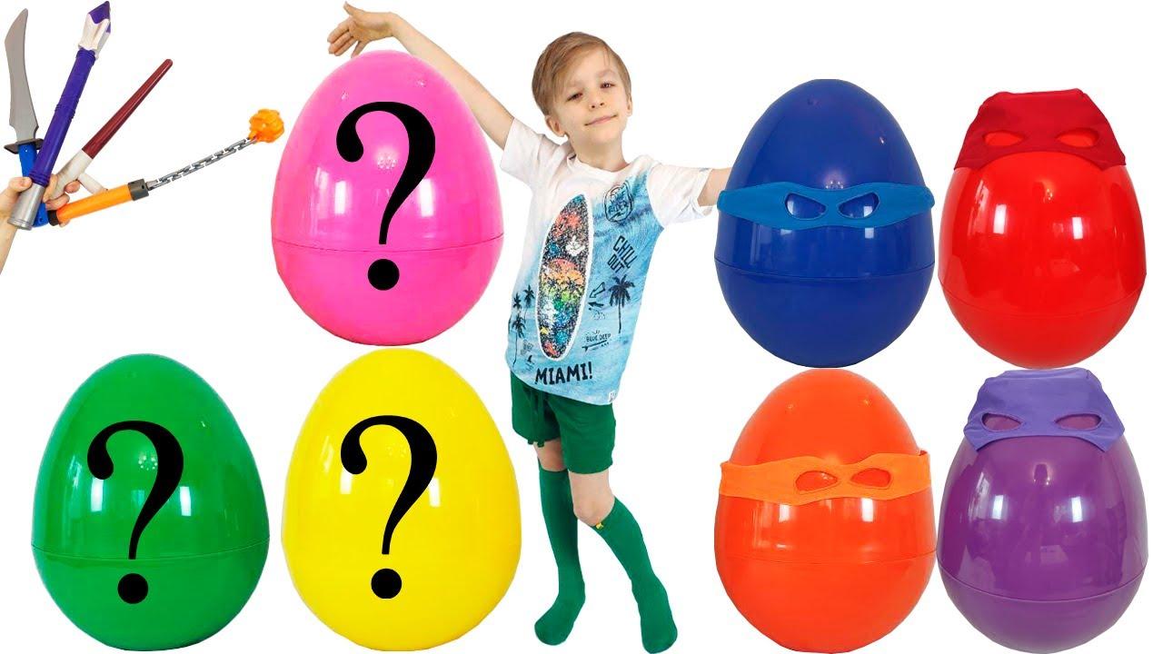 Паша играет в гигантские яйца с игрушками эволюция ...