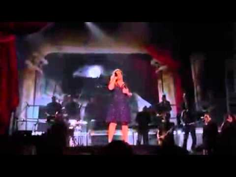 Kelly Clarkson - Invincible | Billboard Music Awards 2015