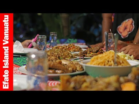 Eating Traditional Vanuatu Umu Food | Efate Island Vanuatu