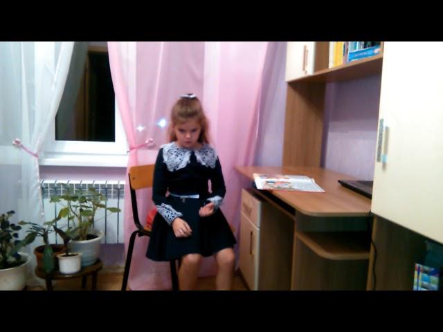 Изображение предпросмотра прочтения – СофияКомова читает произведение «Скучные игры» М.И.Цветаевой