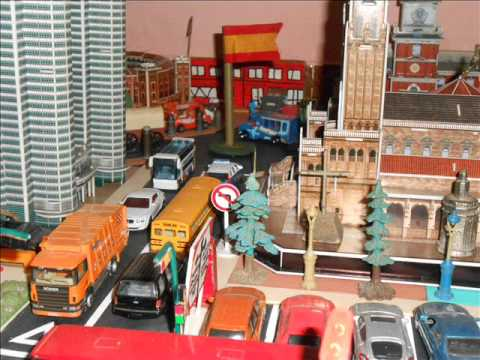 maqueta ciudad city con majorette hot wheels matchbox - YouTube