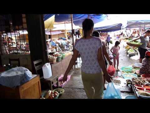 Manchuence Vietnam. Mercado en Lao Cai.