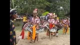 Kesenian Tradisional Kuda Lumping / Ebeg Peniron purwo Budoyo