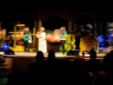 Susan Velasco celebrando Resureccion Jesus