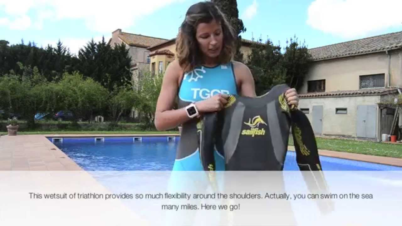 169f62f4b6a Neopreno de triatlón para chicas - YouTube