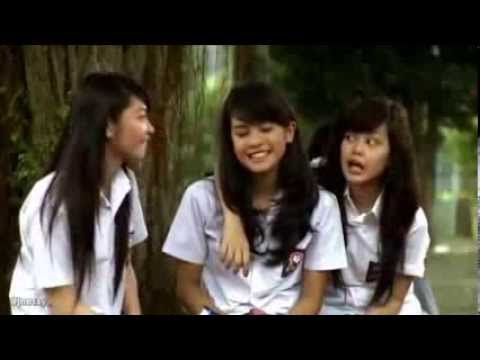 Ve JKT48 iRumah Tanpa Jendelai 2011 YouTube