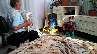 Дедушка и внук. Игра на баяне и гармони. Никите 2 года и 3 месяца. Гармонь. Баян. Русь.