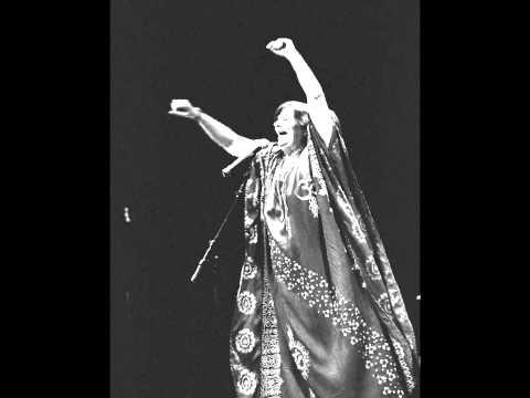 Marília Medalha - FREVO RASGADO - Gilberto Gil-Bruno Ferreira