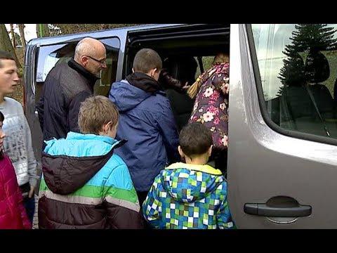 Bus w prezencie dla Domu Dziecka w Strzyżowie