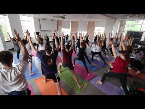 Power Yoga: One hour improver's class filmed at the University of Leeds