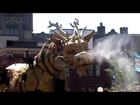 LA MACHINE OTTAWA Dragon in the byward market