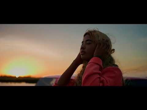 Nellah Tavar - Teu Olhar [Official Video]