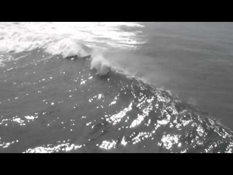 Oceanside Massive Waves - Sep 2, 2011