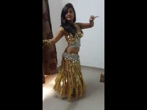Aashika Bhatia Belly Dance Practise