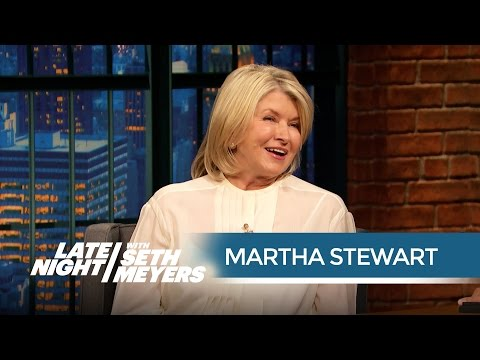 Martha Stewart Got a Contact High from Snoop Dogg - Late Night with Seth Meyers