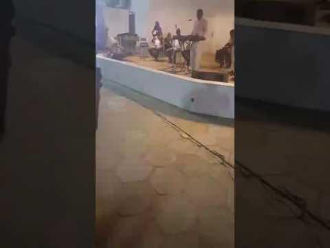 Nimcaan hilaac oo kalinta kowaad ka galay live music Khartoum
