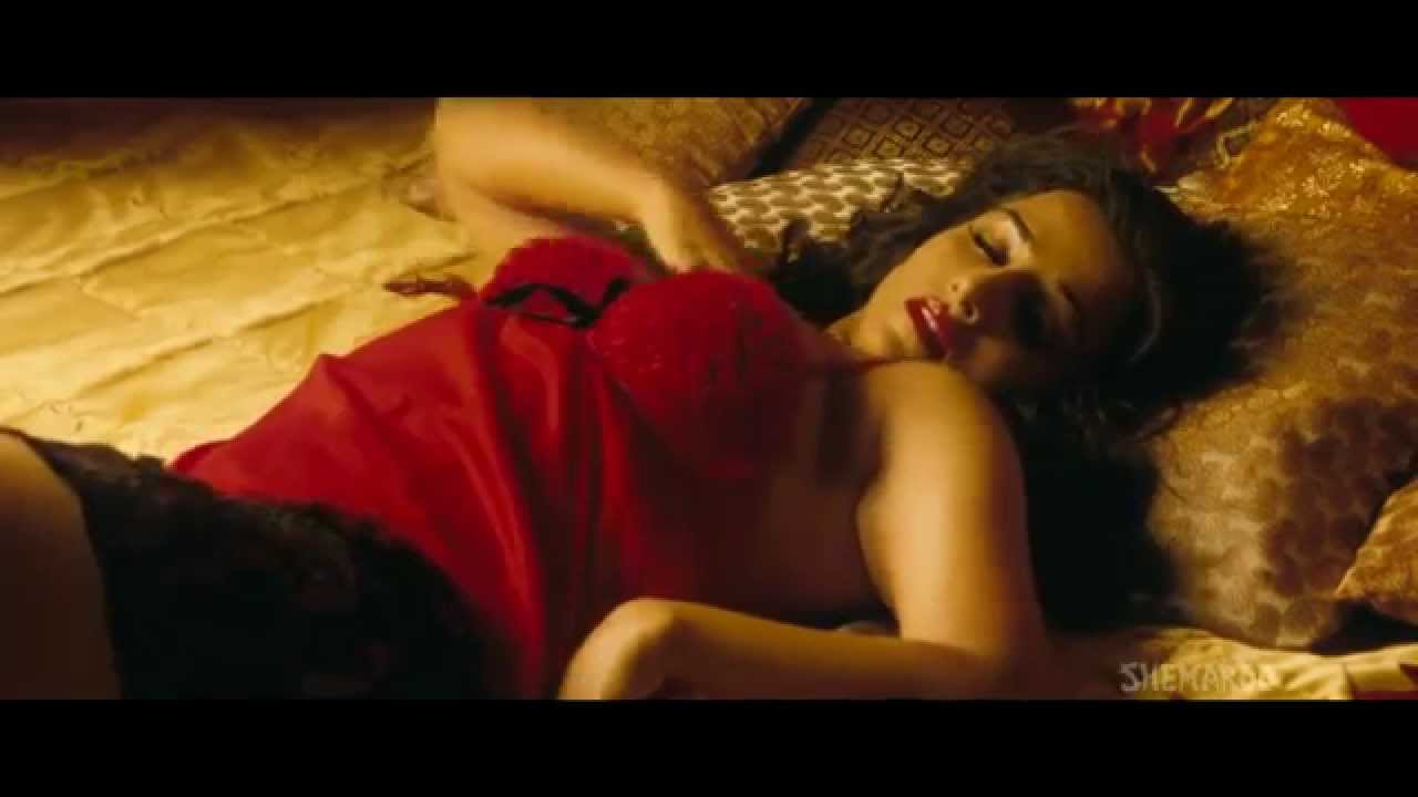 Vidya Balan Hot Scene 14 The Dirty Picture - Youtube-6492