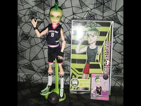 Monster high deuce gorgon scream uniform review youtube - Monster high deuce ...