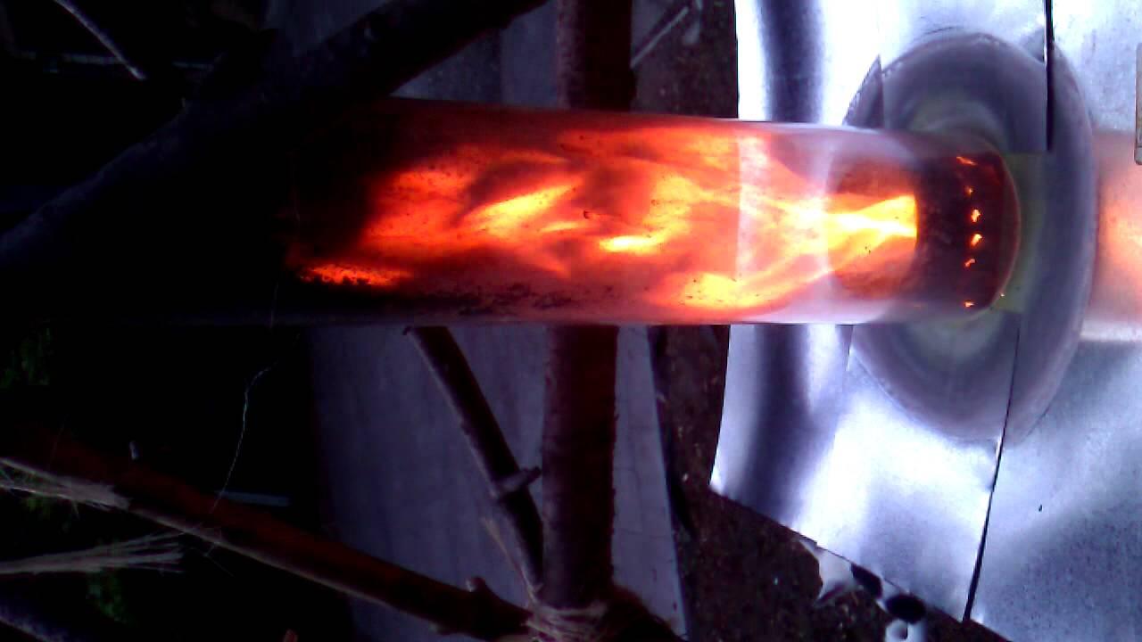 TLUD Furnace with Quartz (glass) Updraft Chimney - YouTube