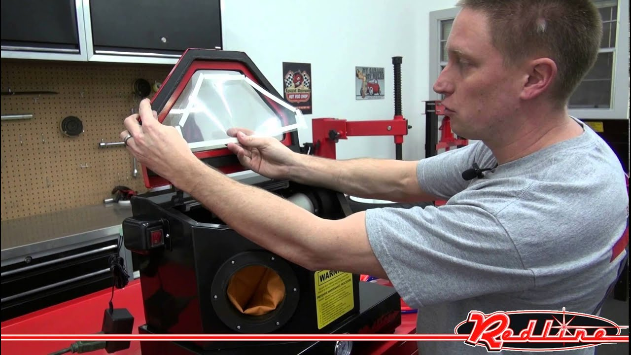 Redline Mini Bench Top Sand Blaster Blast Cabinet - YouTube