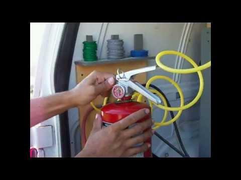 ¿Como se recarga un extintor