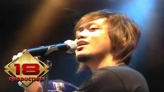 Video Vagetoz - Kehadiranmu (Live Konser 13 November 2007 Bogor) download MP3, 3GP, MP4, WEBM, AVI, FLV September 2017