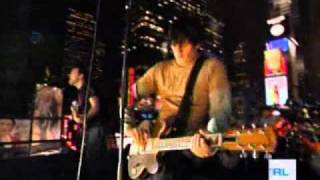 blink-182 - Dammit (Live at TRL 11-11-2003)